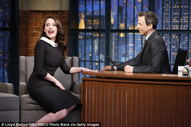 kat_dennings_at_seth_meyers_3